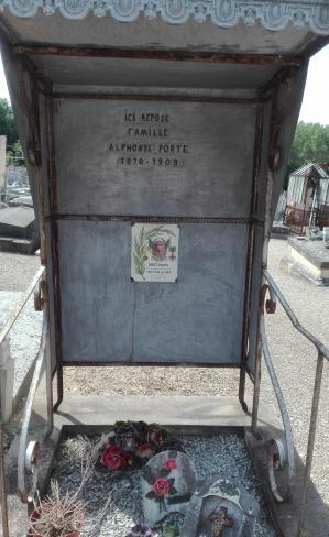 Porte georges tombe